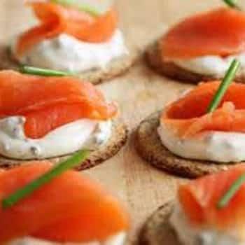 Zakouskis archives la bonne cuisine for Canape saumon fume