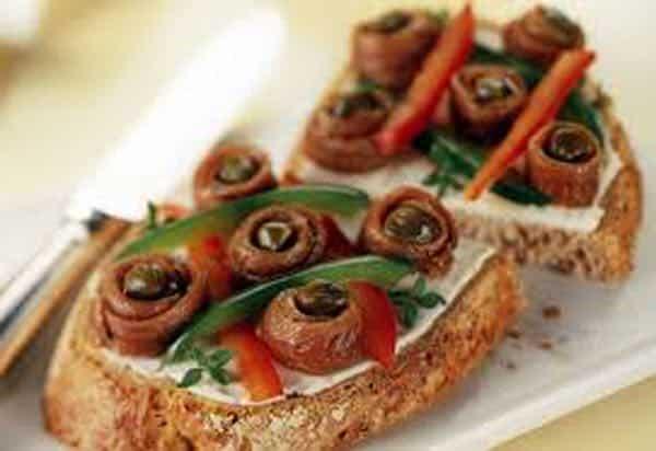 canapes aux anchois