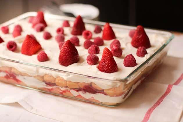 Tiramisu aux fraises la recette connaitre - Tiramisu fraise sans mascarpone ...