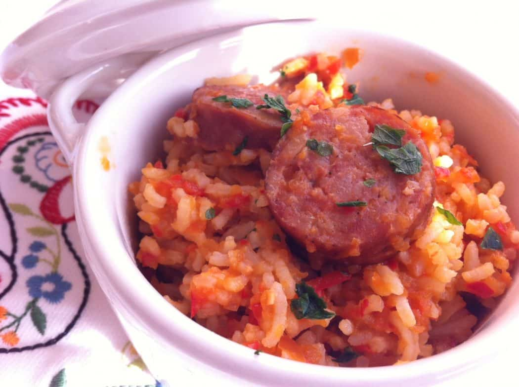 Riz aux tomates comment le cuisiner - Cuisiner du riz blanc ...