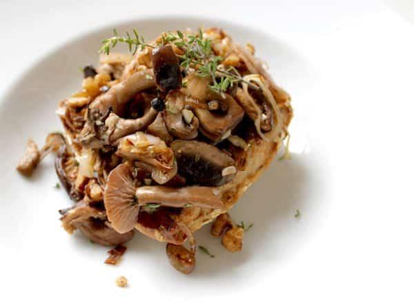toasts aux champignons des bois