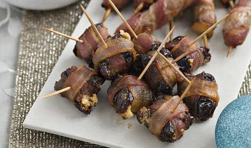 saucisses de pruneaux au bacon