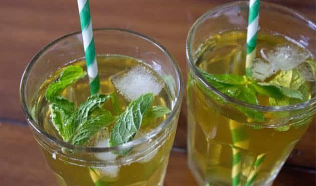 Thé vert glacé à la menthe : Recette facile