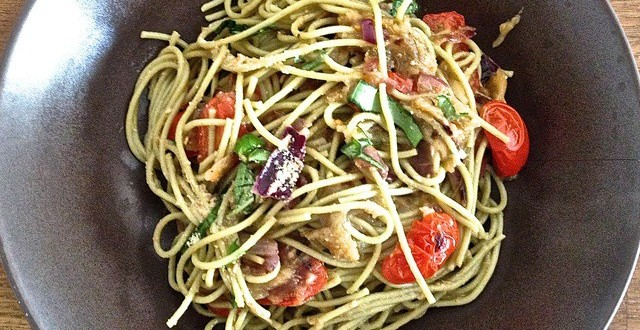 spaghetti au caviar d'aubergines
